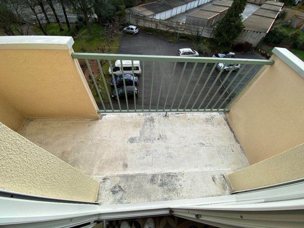 Appartement à louer 1 30.43m2 à Limoges vignette-11