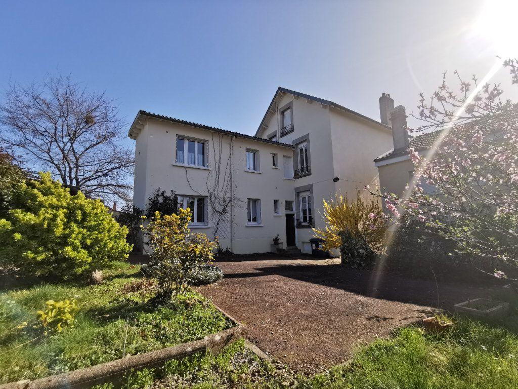 Maison à vendre 6 160m2 à Limoges vignette-3