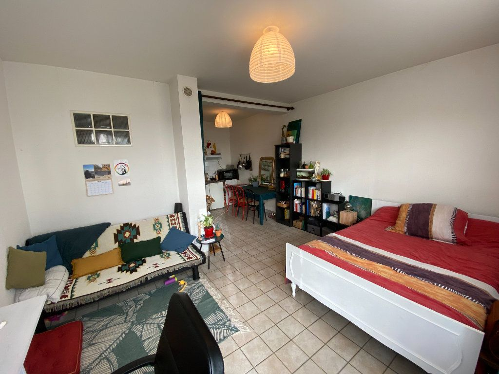 Appartement à louer 1 30m2 à Limoges vignette-1