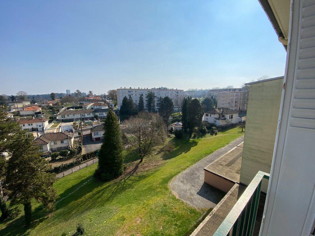 Appartement à louer 4 70m2 à Limoges vignette-2
