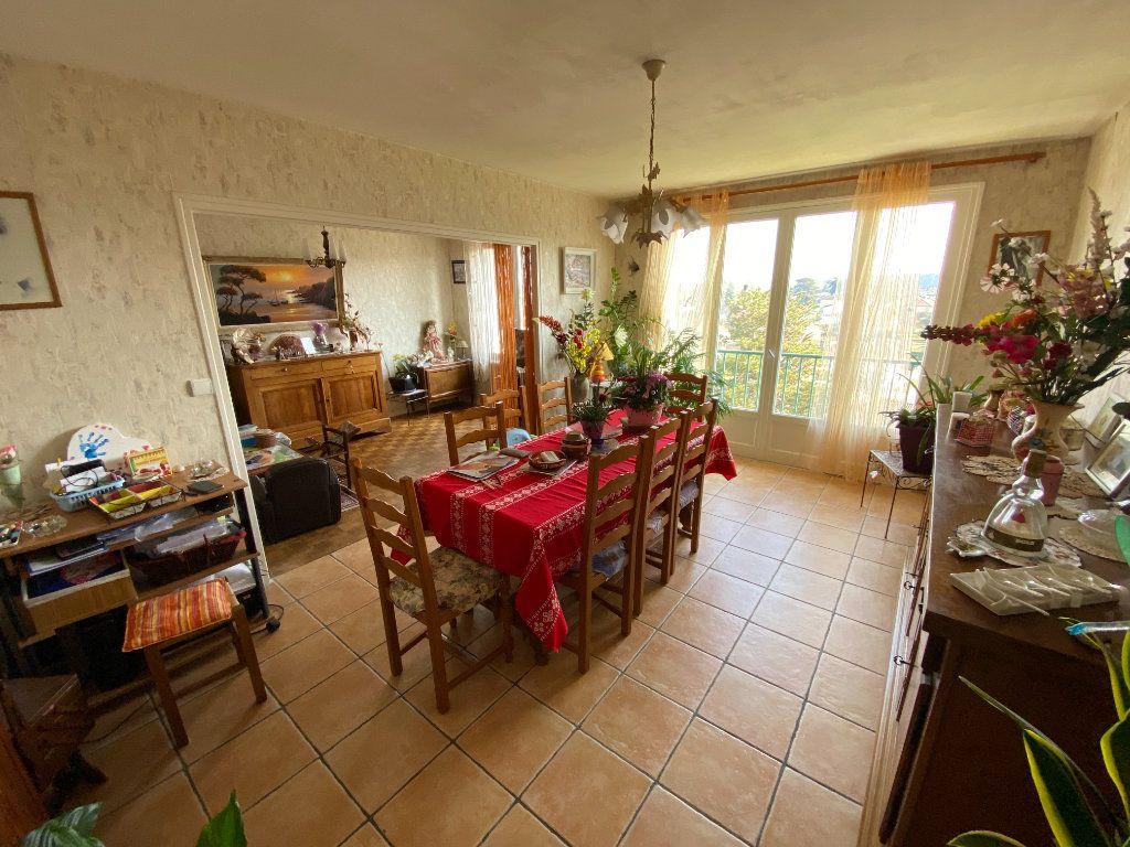 Appartement à louer 4 70m2 à Limoges vignette-5