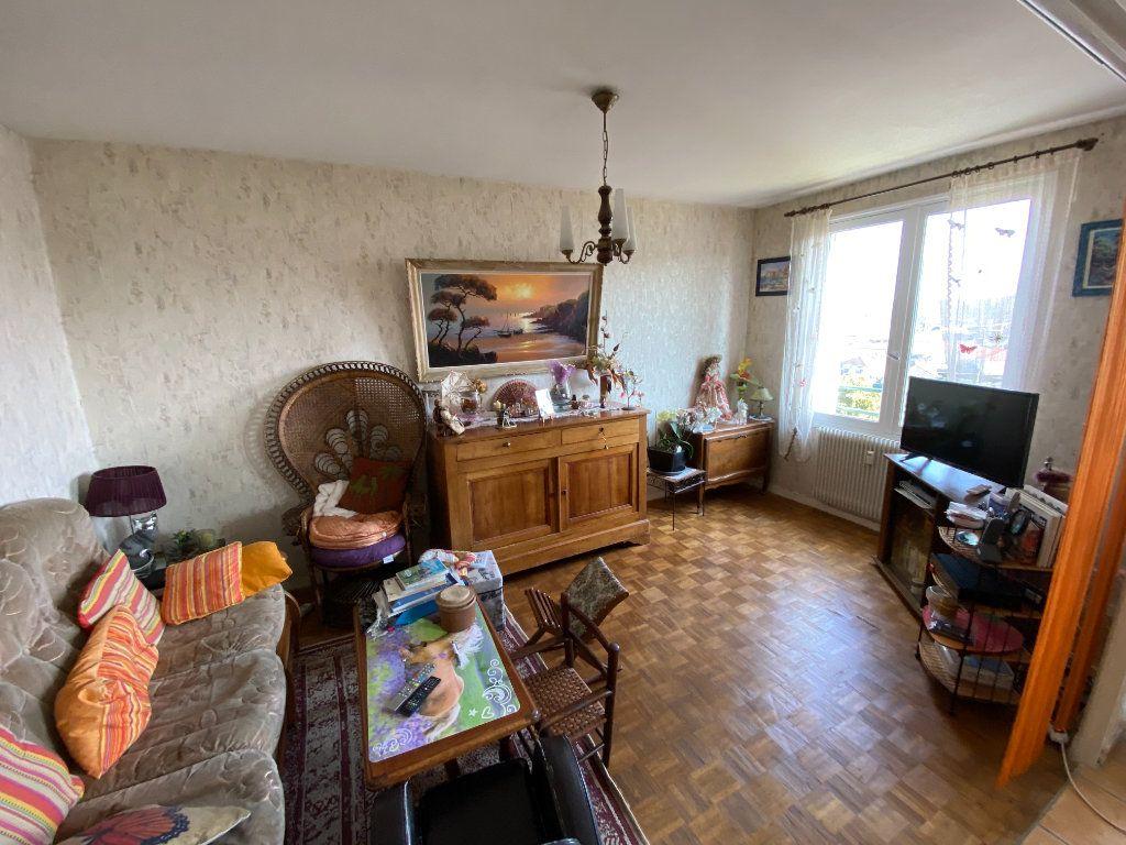 Appartement à louer 4 70m2 à Limoges vignette-6