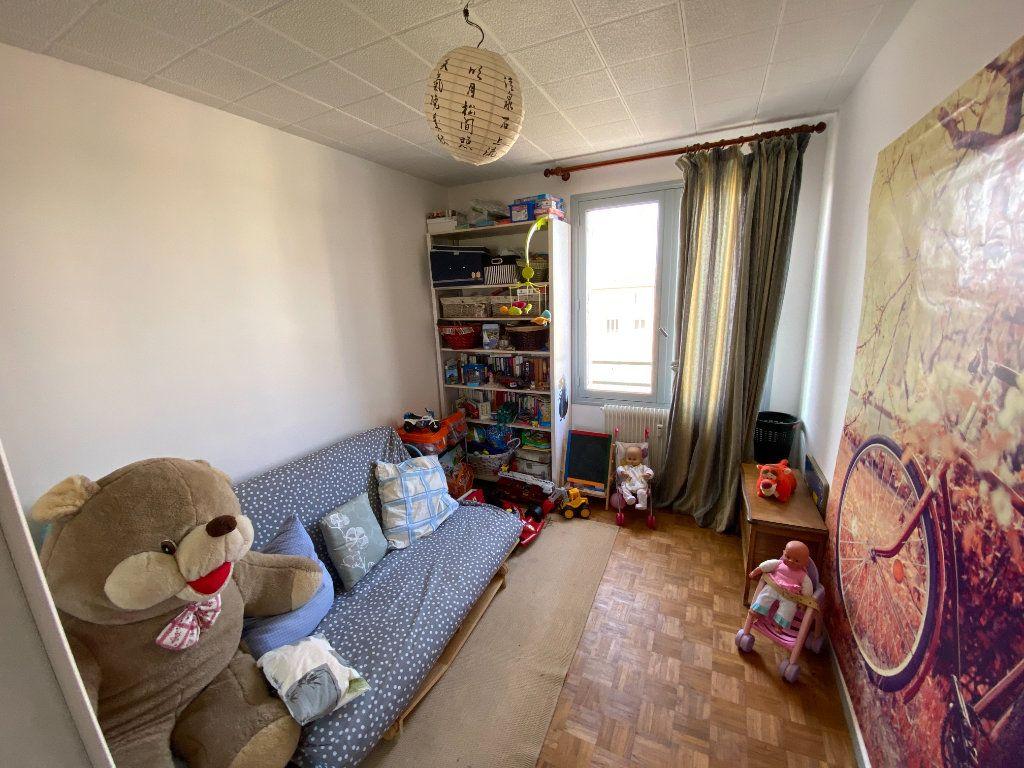 Appartement à louer 4 70m2 à Limoges vignette-7
