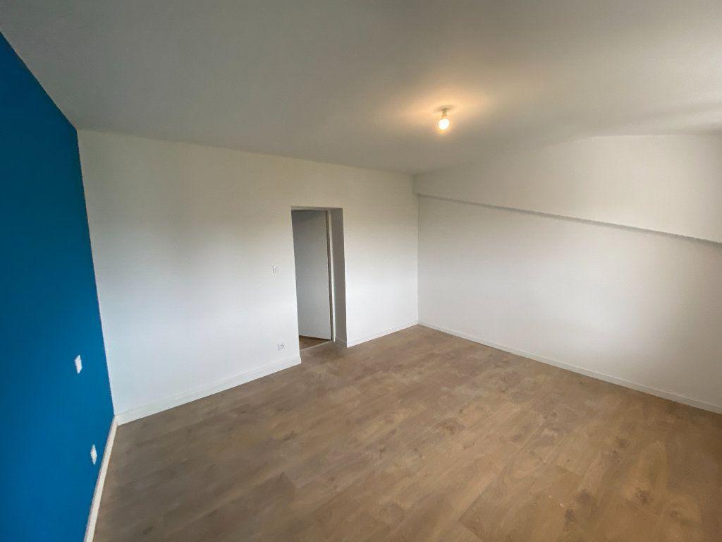 Appartement à louer 2 38.02m2 à Limoges vignette-11