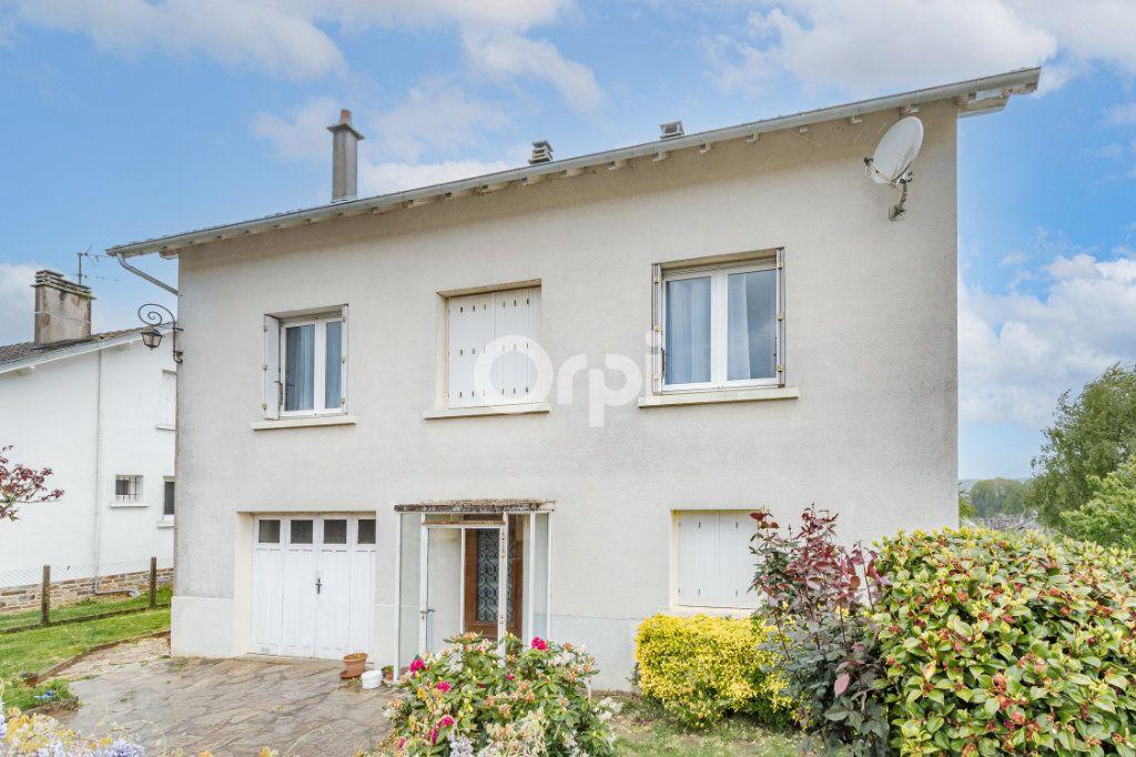Maison à vendre 6 129m2 à Saint-Yrieix-la-Perche vignette-2
