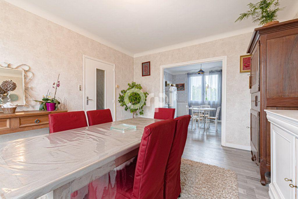 Maison à vendre 6 129m2 à Saint-Yrieix-la-Perche vignette-6