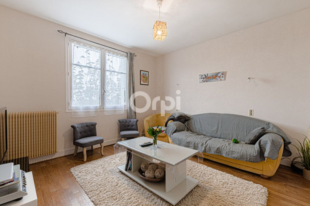 Maison à vendre 6 129m2 à Saint-Yrieix-la-Perche vignette-7