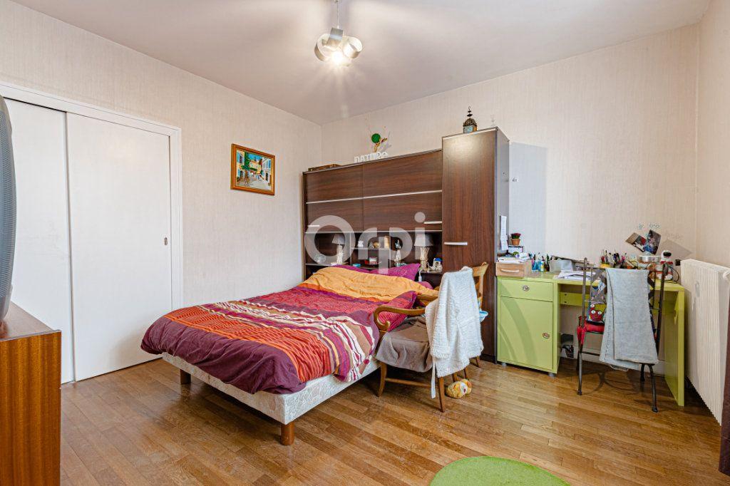 Maison à vendre 6 129m2 à Saint-Yrieix-la-Perche vignette-8