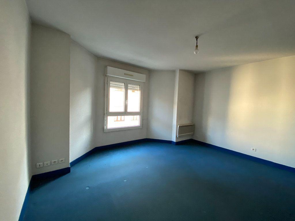 Appartement à louer 1 26.73m2 à Limoges vignette-1