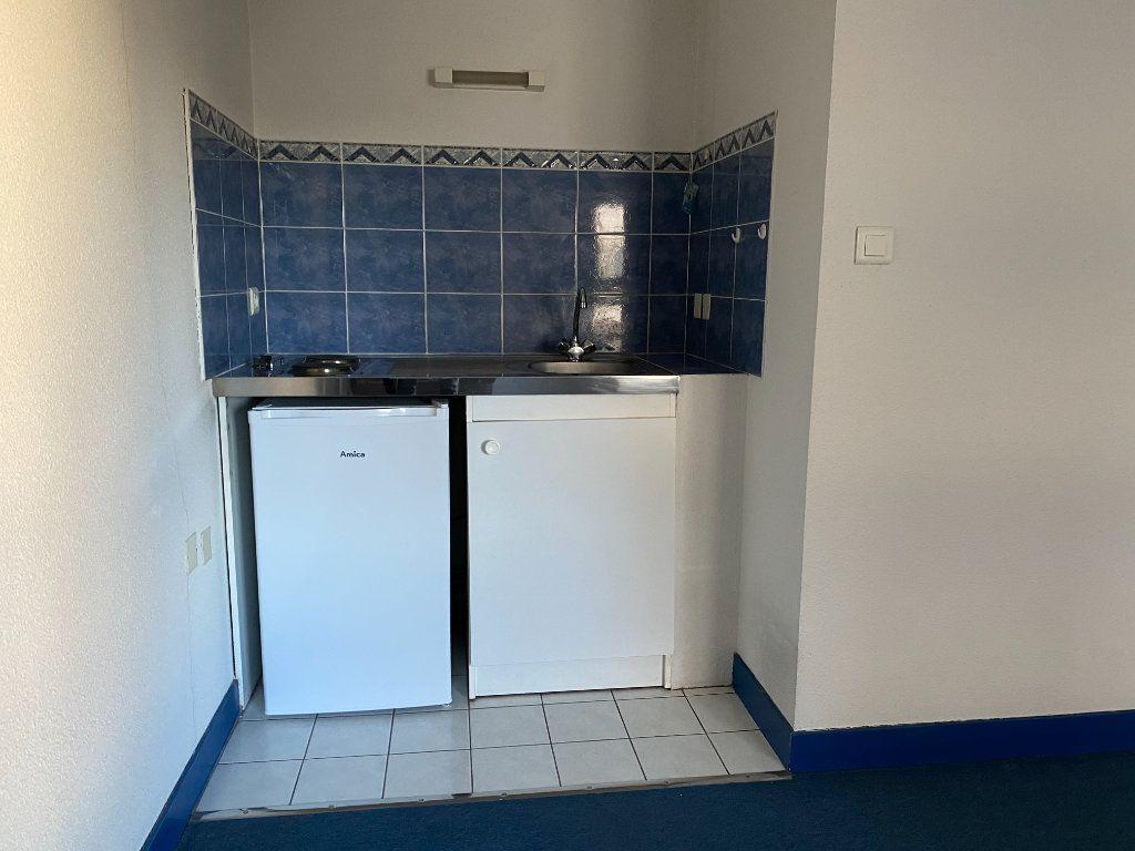 Appartement à louer 1 26.73m2 à Limoges vignette-2