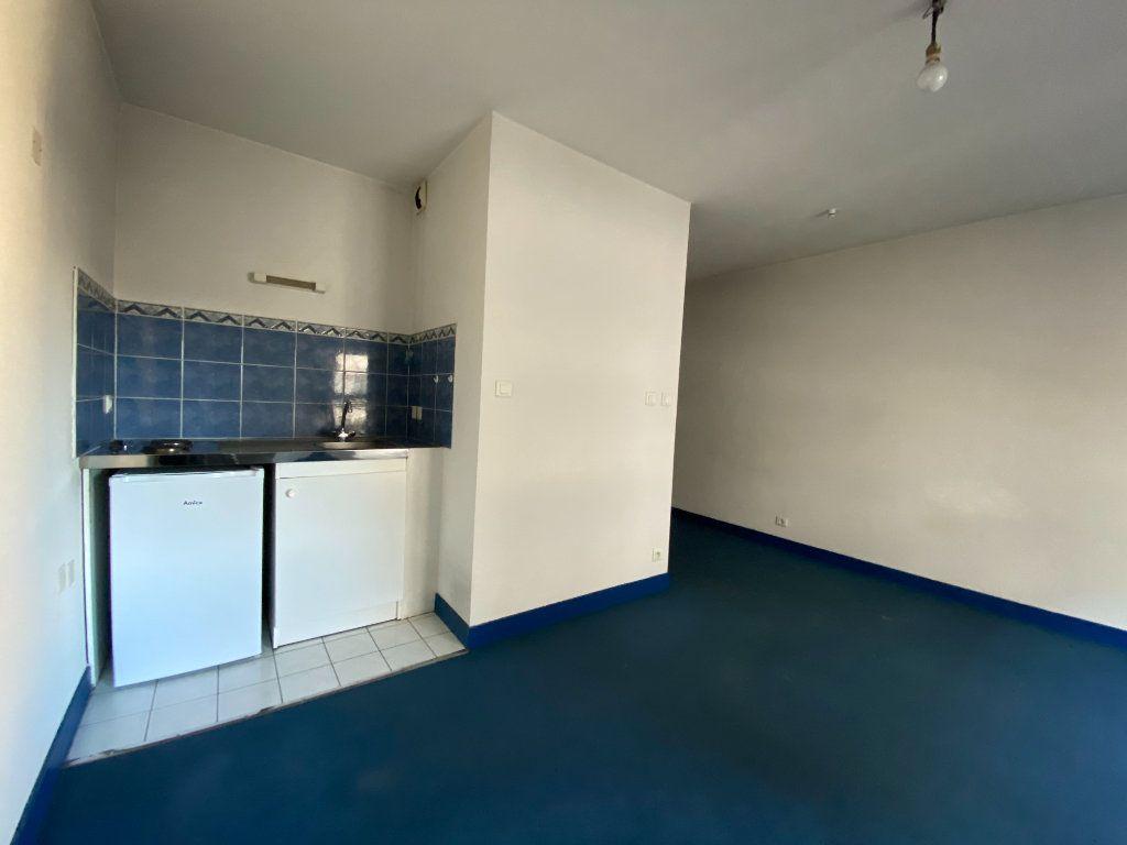 Appartement à louer 1 26.73m2 à Limoges vignette-3