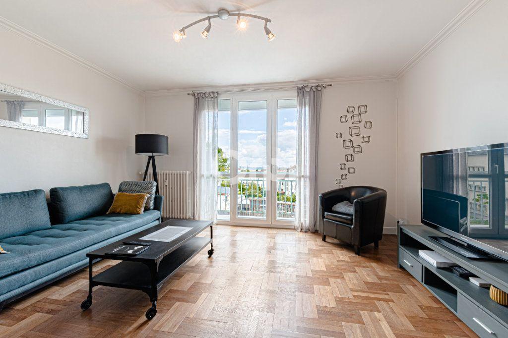 Appartement à vendre 3 65.5m2 à Limoges vignette-2