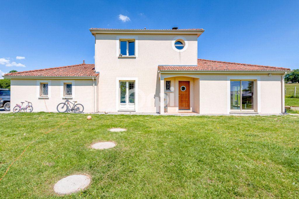 Maison à vendre 5 127.22m2 à Jourgnac vignette-1