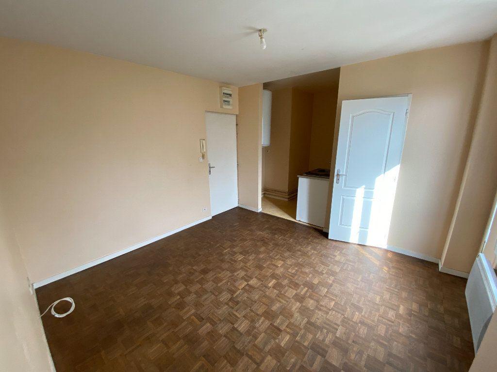 Appartement à louer 2 29.5m2 à Limoges vignette-2