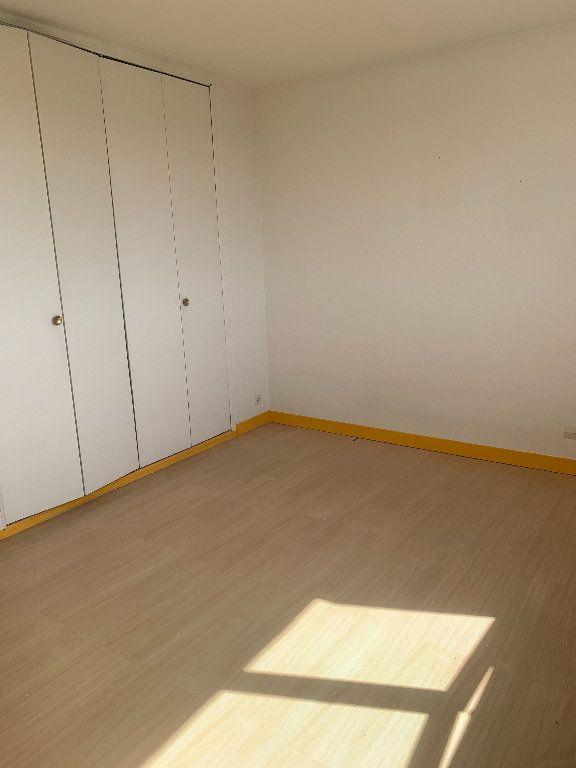Appartement à louer 2 34m2 à Limoges vignette-1