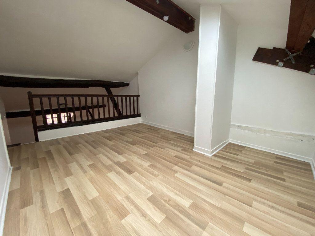 Appartement à louer 2 49m2 à Limoges vignette-4