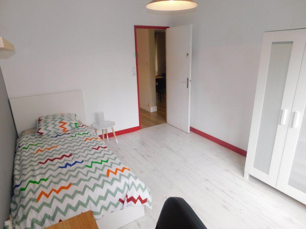 Appartement à louer 2 11.95m2 à Limoges vignette-2
