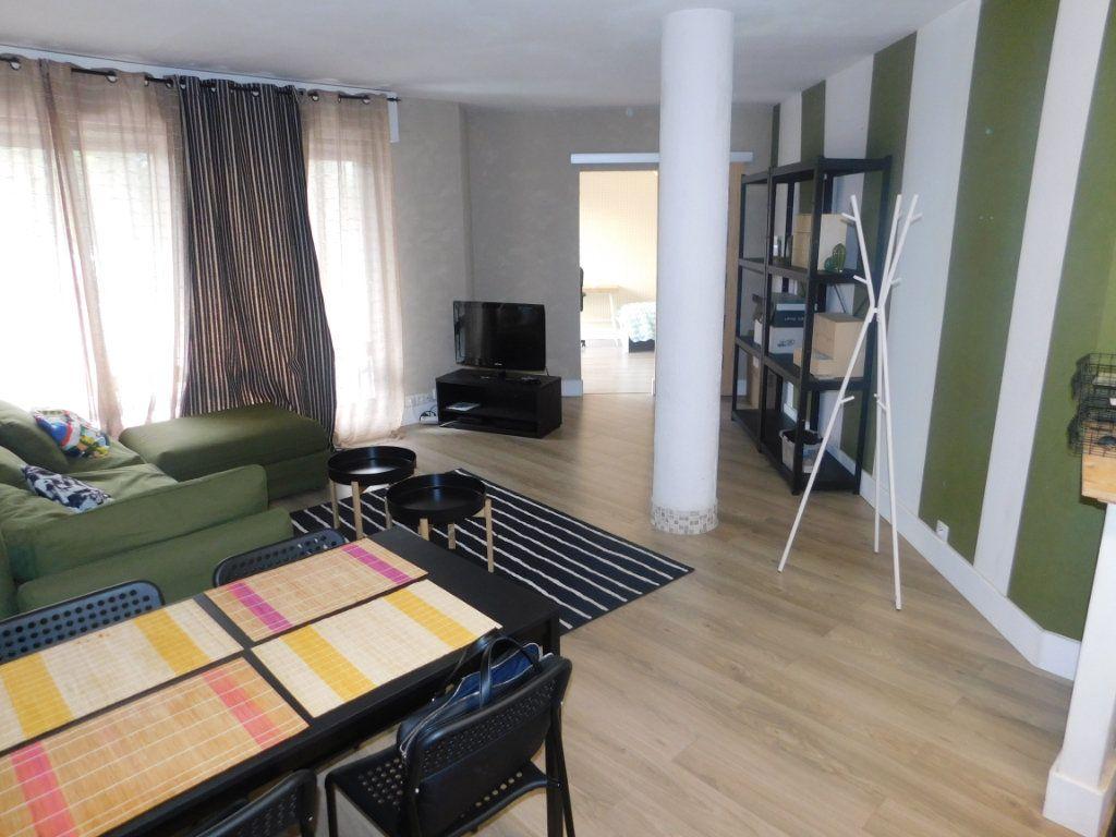 Appartement à louer 2 11.95m2 à Limoges vignette-3