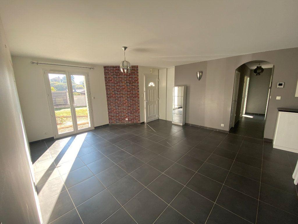Maison à louer 5 100m2 à Boisseuil vignette-5