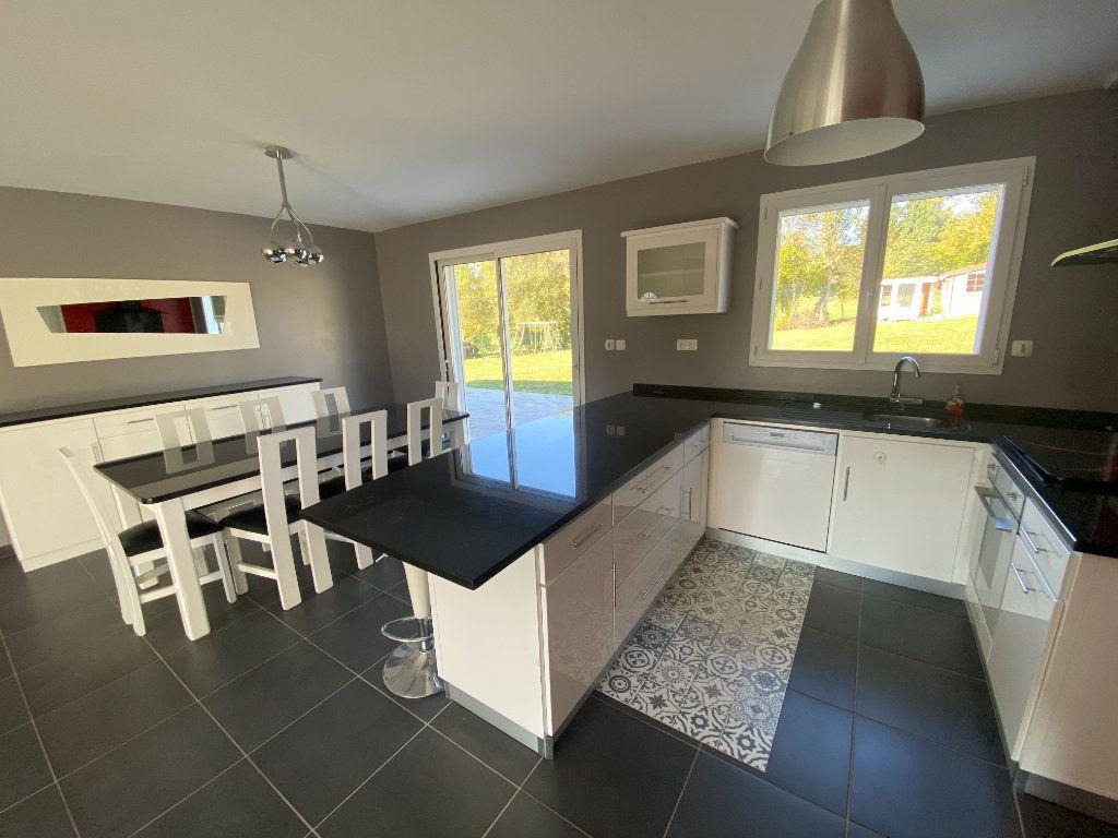 Maison à louer 5 100m2 à Boisseuil vignette-6