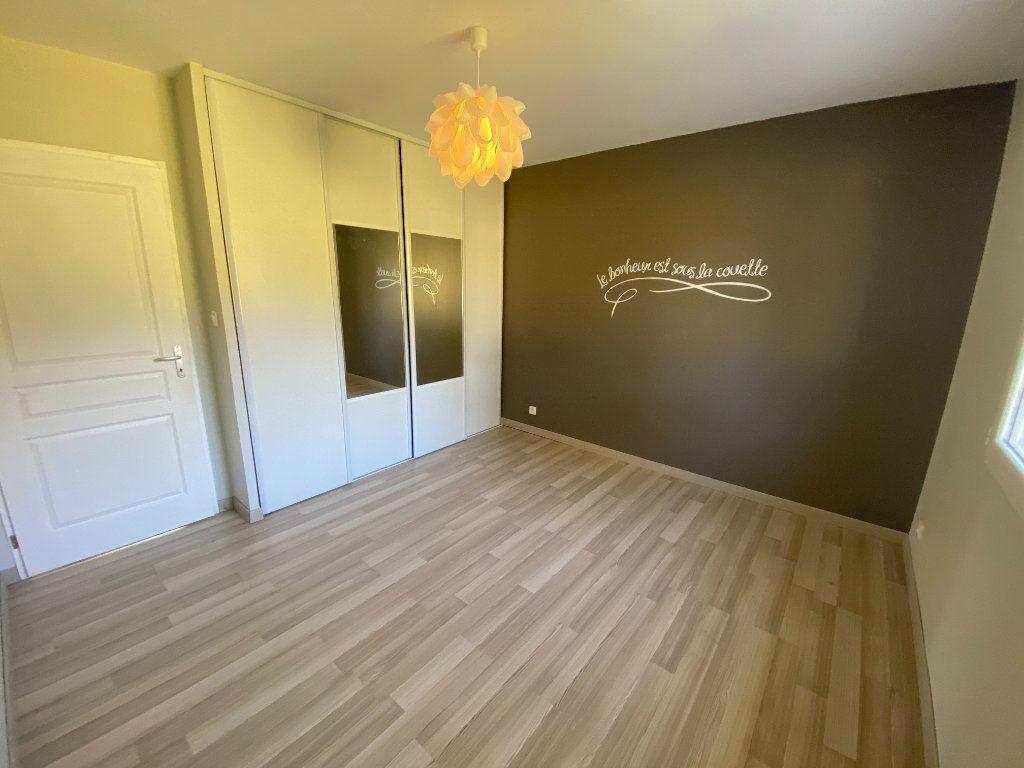Maison à louer 5 100m2 à Boisseuil vignette-10