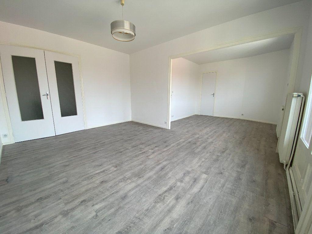 Appartement à louer 4 85m2 à Limoges vignette-1
