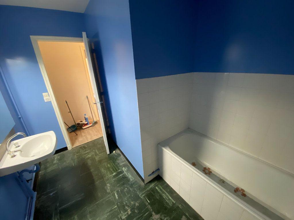 Appartement à louer 4 85m2 à Limoges vignette-17