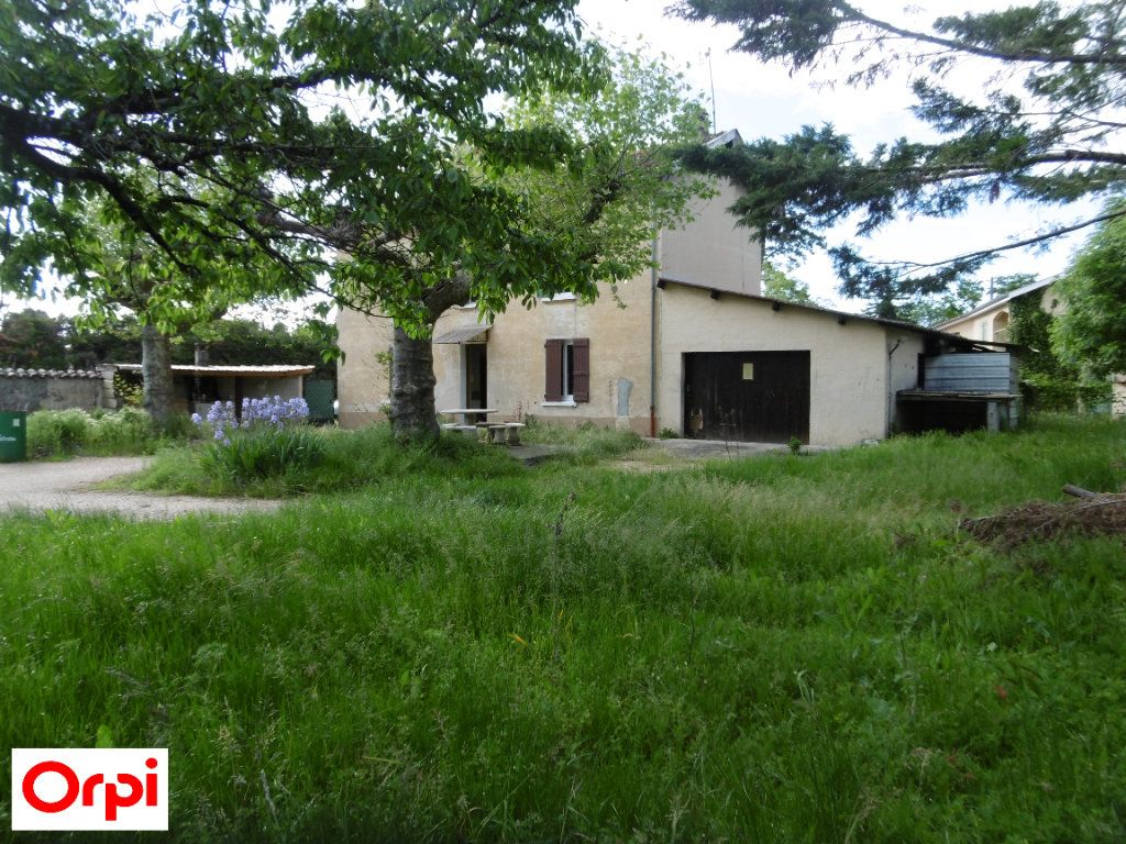 Maison à vendre 4 105m2 à Beaurepaire vignette-1