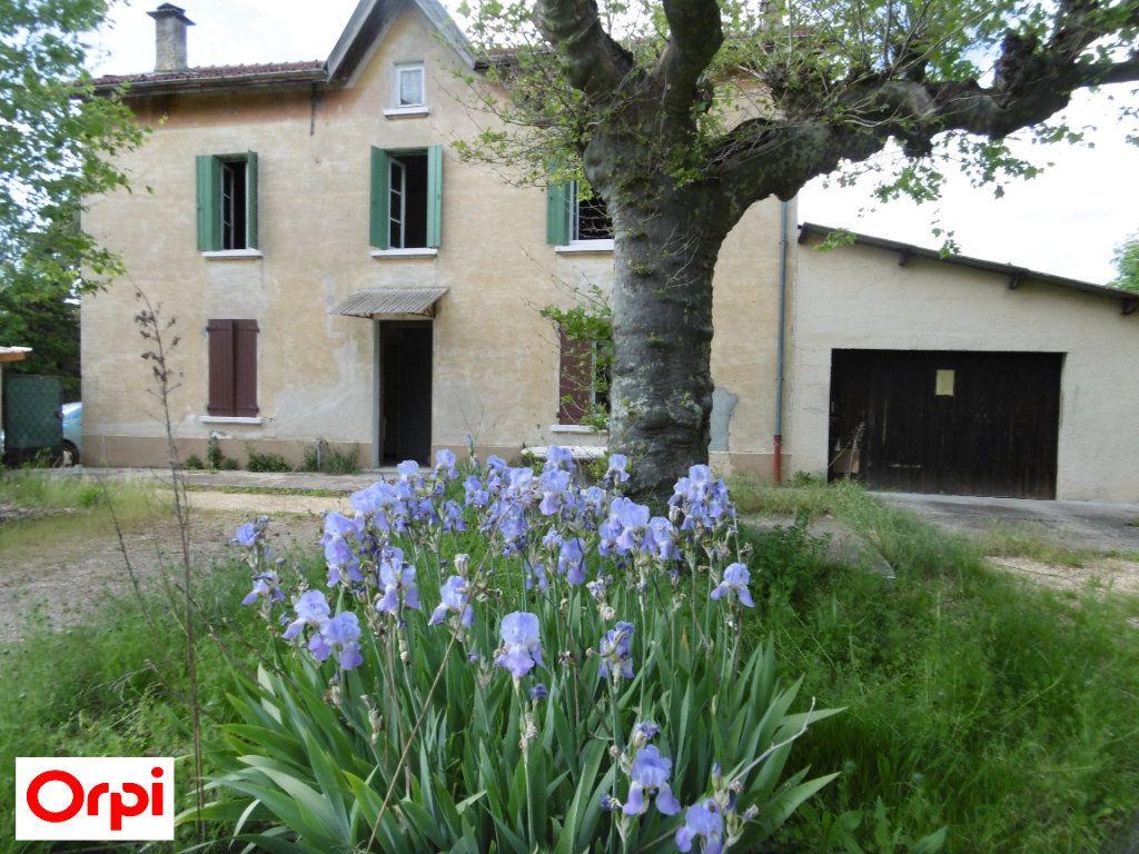 Maison à vendre 4 105m2 à Beaurepaire vignette-2