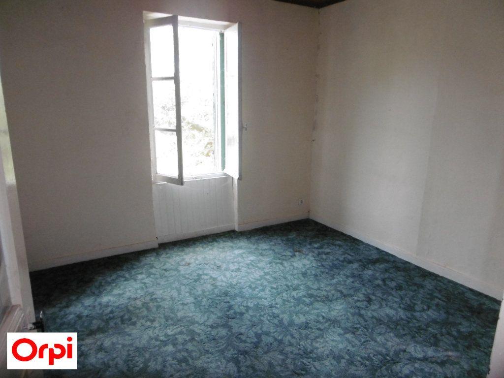 Maison à vendre 4 105m2 à Beaurepaire vignette-7