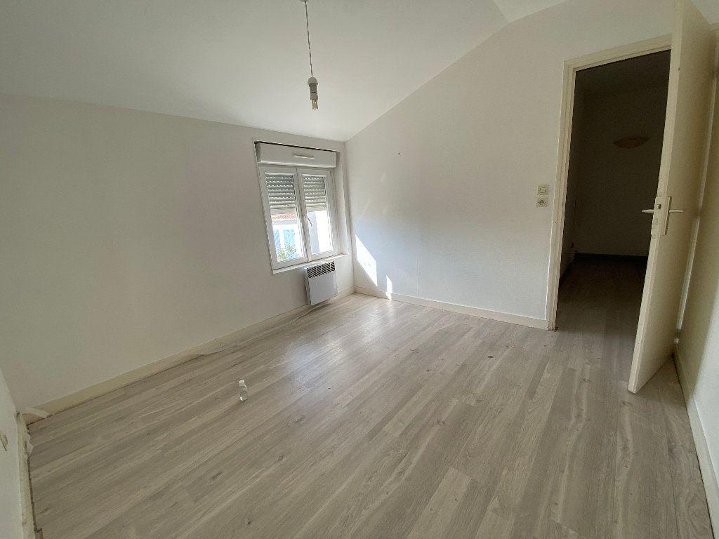 Maison à vendre 5 73m2 à Aigrefeuille-d'Aunis vignette-5