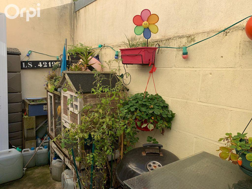 Maison à vendre 7 140m2 à Fouras vignette-11