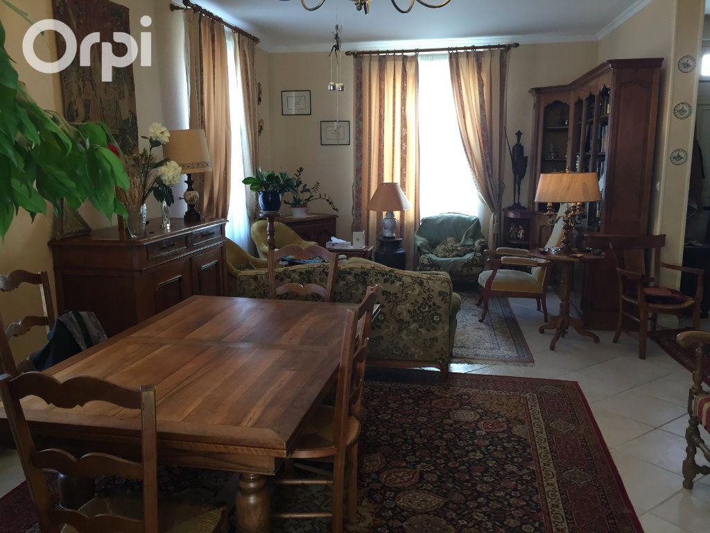 Maison à vendre 5 120m2 à Fouras vignette-3