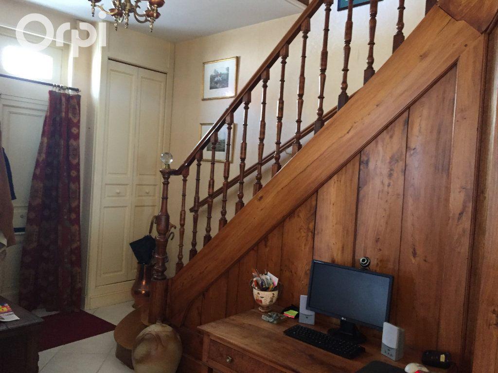 Maison à vendre 5 120m2 à Fouras vignette-9