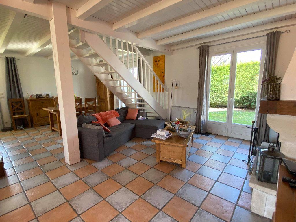 Maison à vendre 7 144.7m2 à Rochefort vignette-1