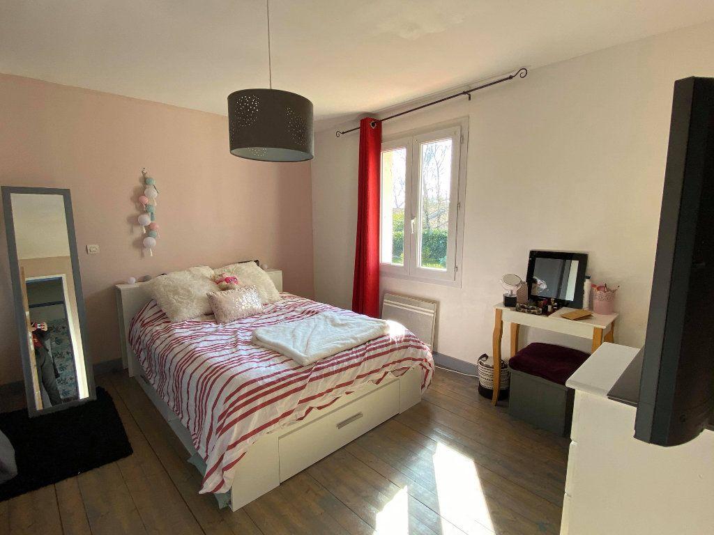 Maison à vendre 7 144.7m2 à Rochefort vignette-2
