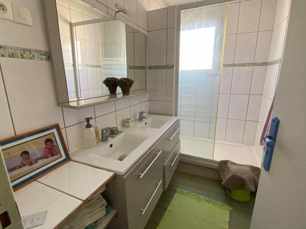 Maison à vendre 7 144.7m2 à Rochefort vignette-3