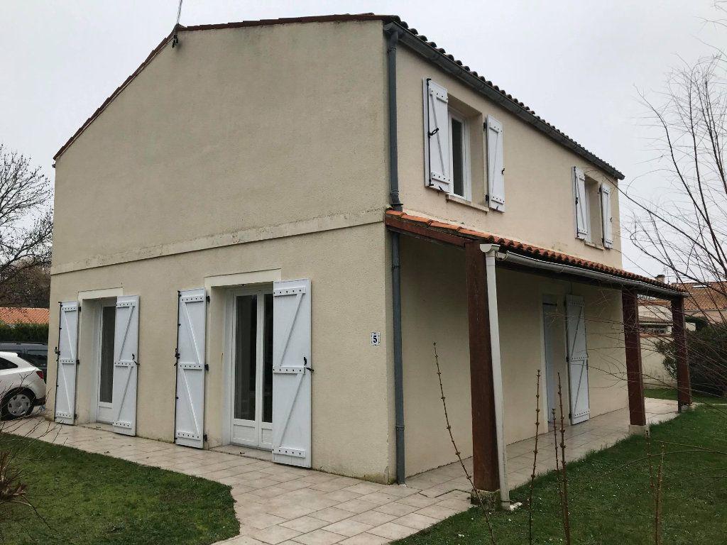 Maison à vendre 7 144.7m2 à Rochefort vignette-4