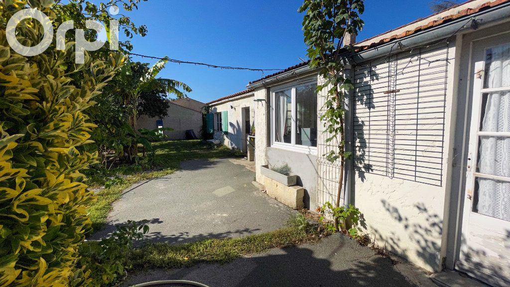 Maison à vendre 5 85m2 à Fouras vignette-6