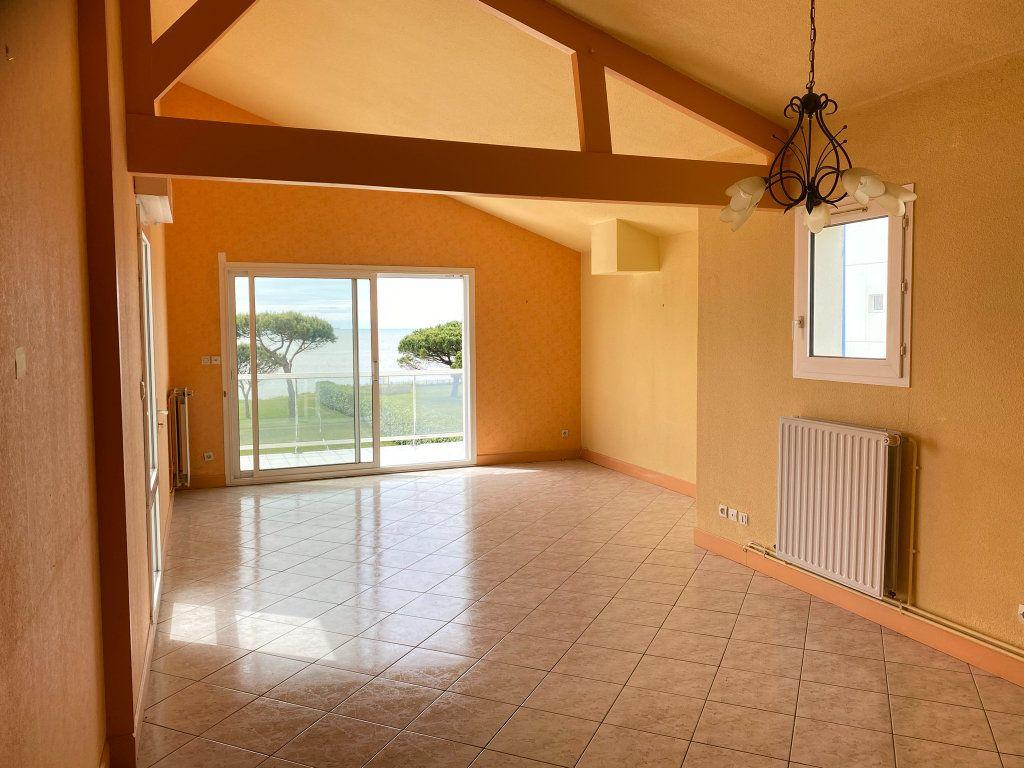 Appartement à vendre 4 88.3m2 à Châtelaillon-Plage vignette-2
