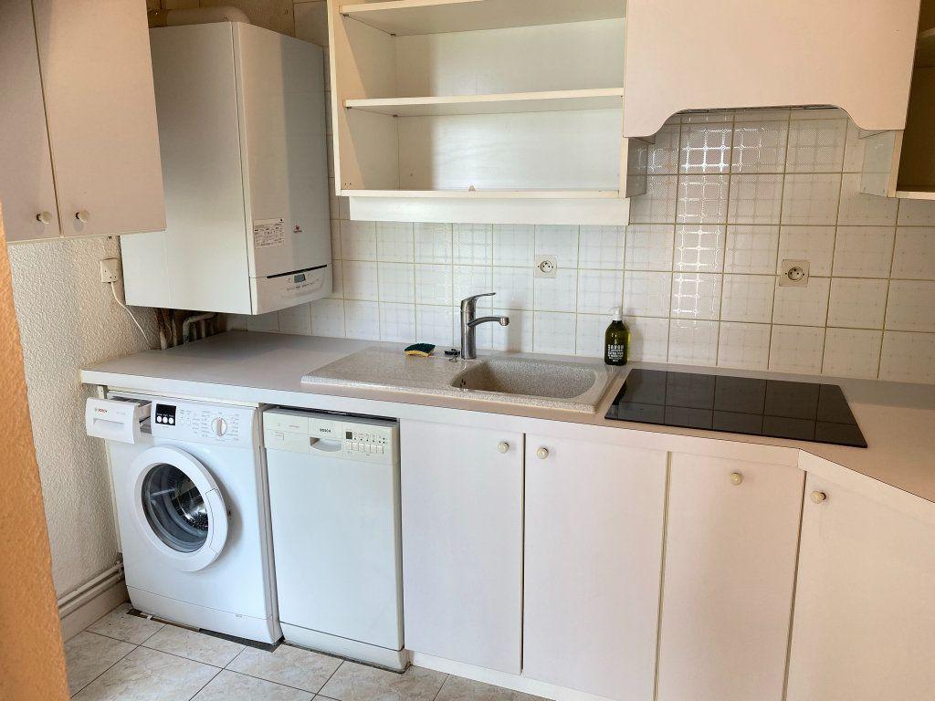 Appartement à vendre 4 88.3m2 à Châtelaillon-Plage vignette-3