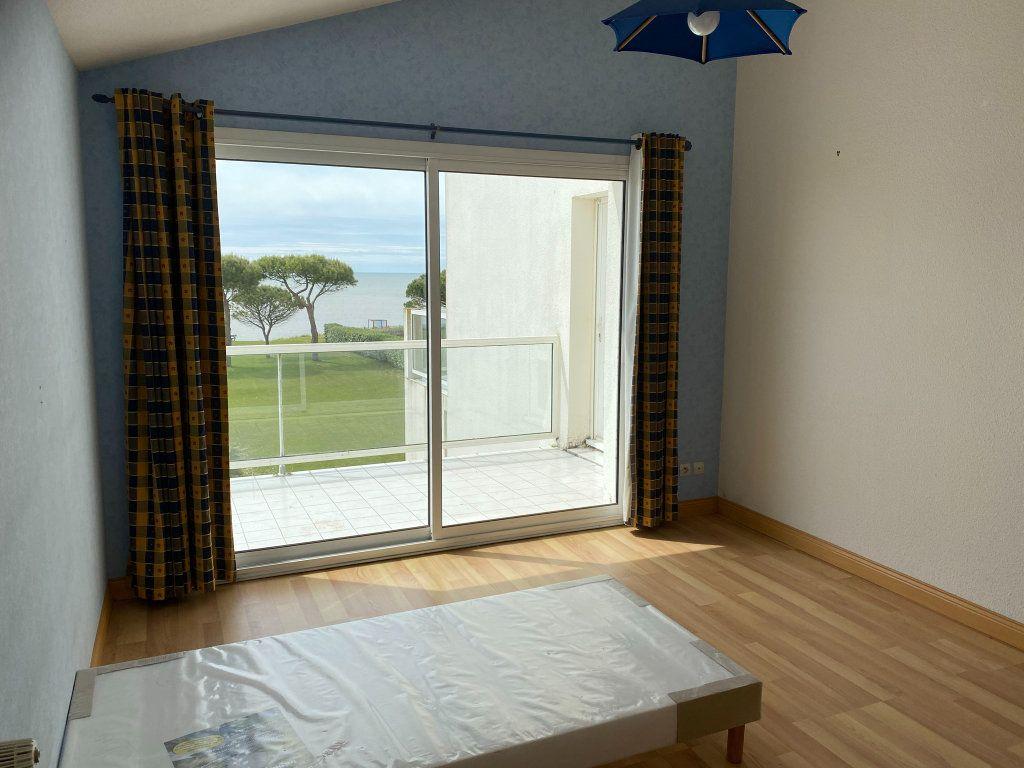Appartement à vendre 4 88.3m2 à Châtelaillon-Plage vignette-4