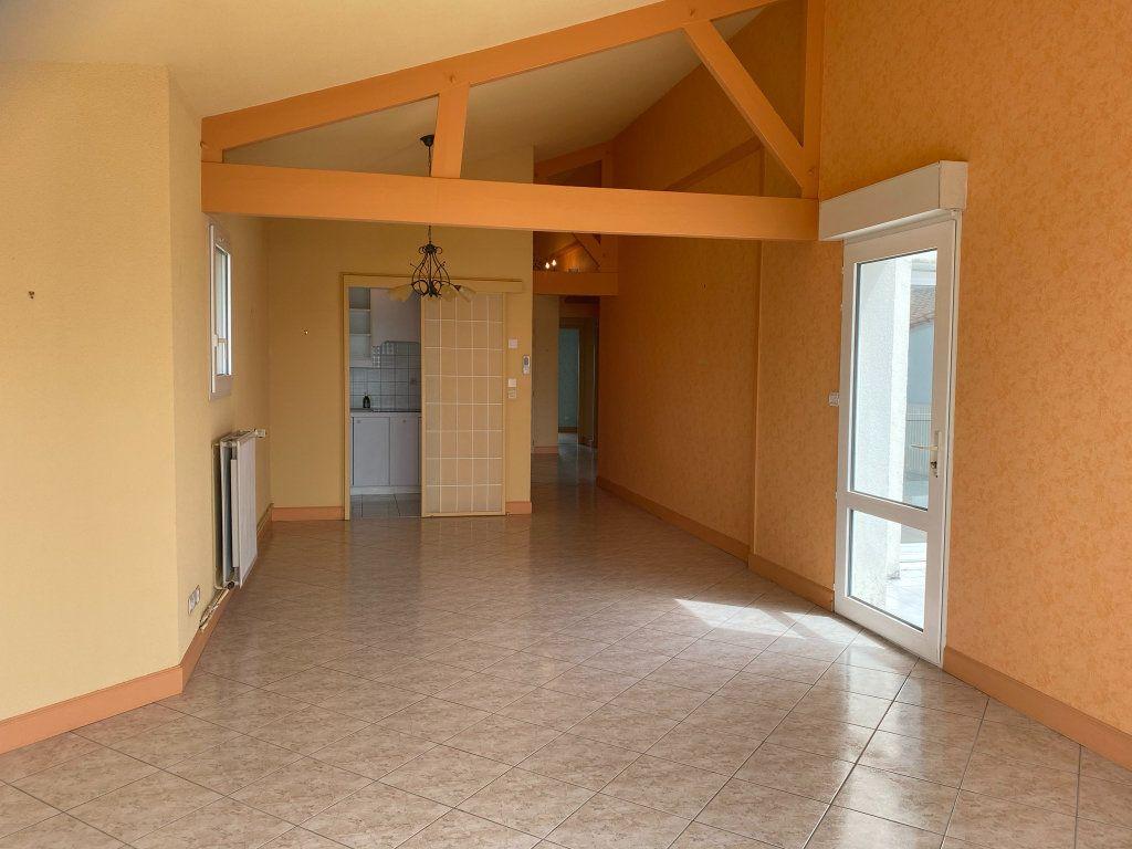Appartement à vendre 4 88.3m2 à Châtelaillon-Plage vignette-6