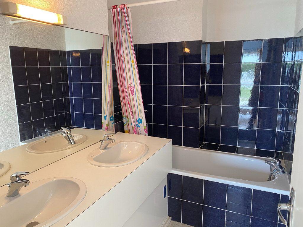 Appartement à vendre 4 88.3m2 à Châtelaillon-Plage vignette-8