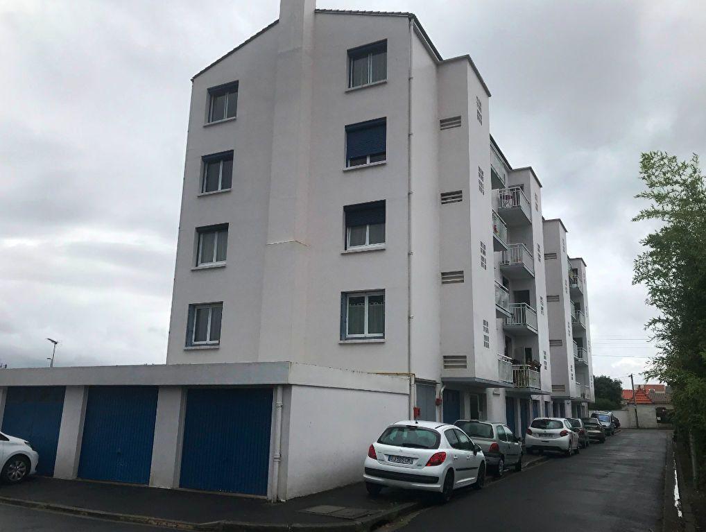 Appartement à vendre 3 73.59m2 à Rochefort vignette-2