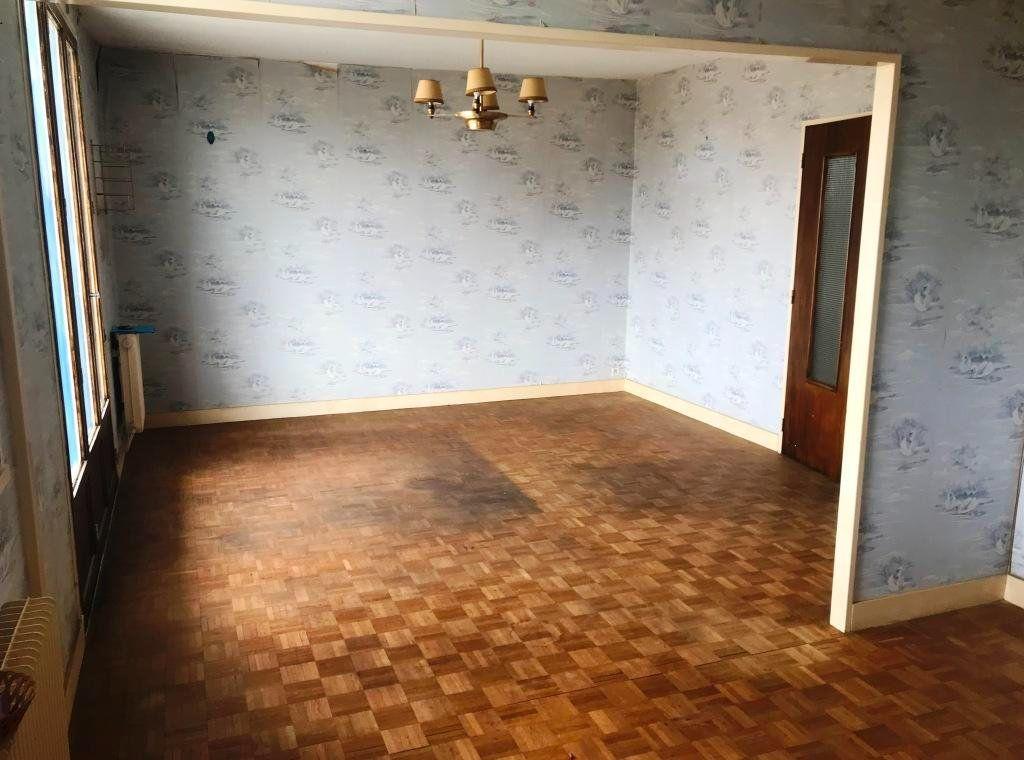 Appartement à vendre 3 73.59m2 à Rochefort vignette-3