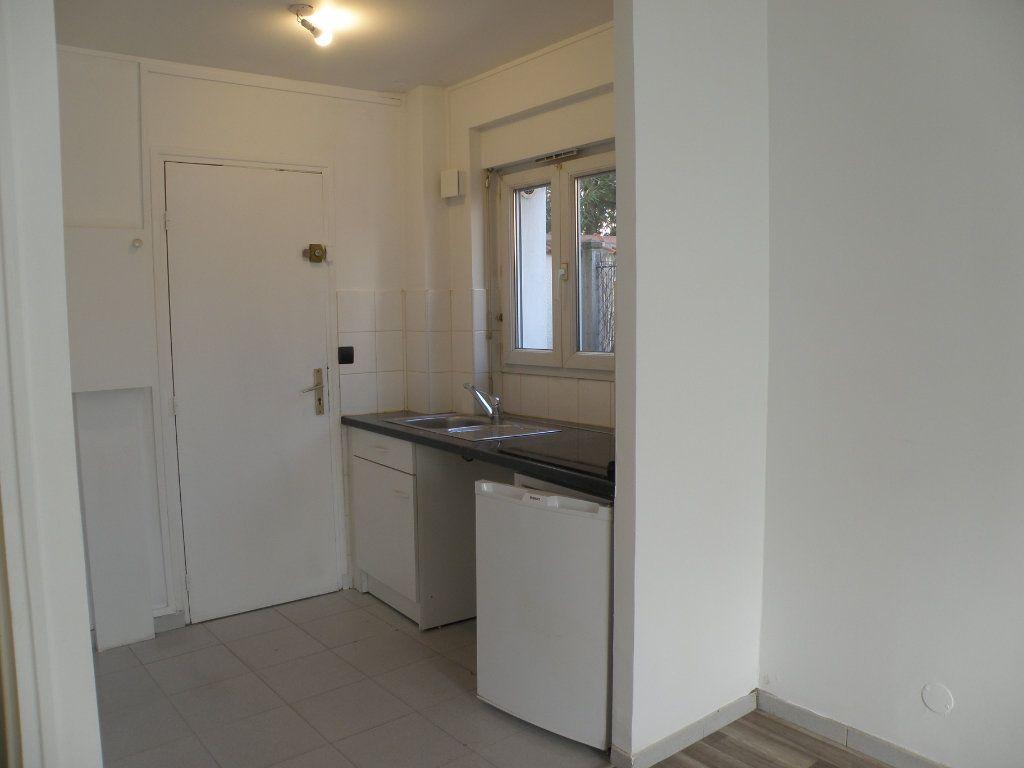 Appartement à louer 1 18.46m2 à Gournay-sur-Marne vignette-2
