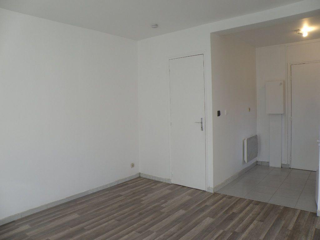 Appartement à louer 1 18.46m2 à Gournay-sur-Marne vignette-3