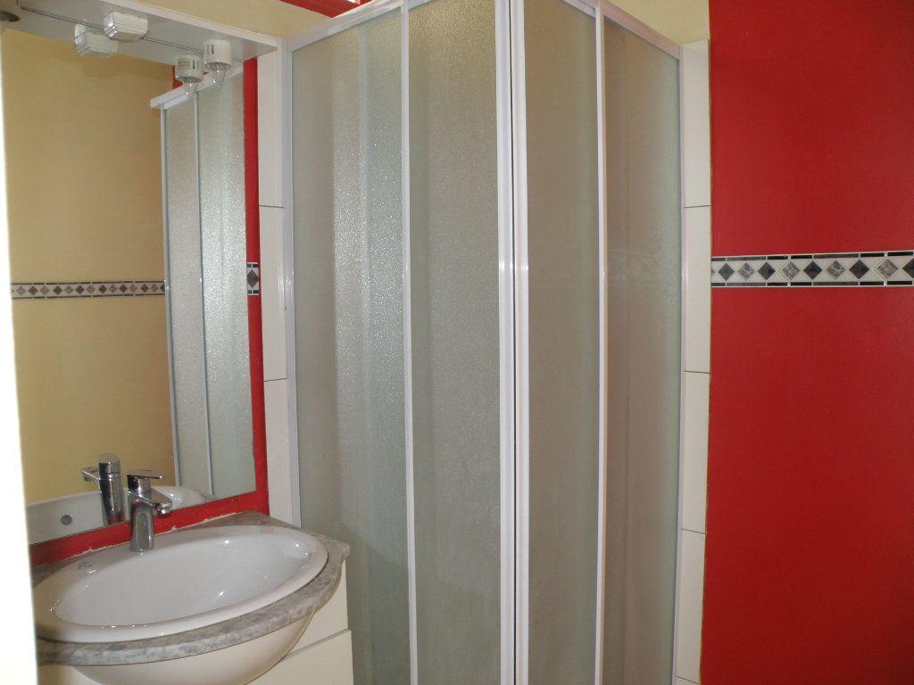 Appartement à louer 1 27.39m2 à Lagny-sur-Marne vignette-7