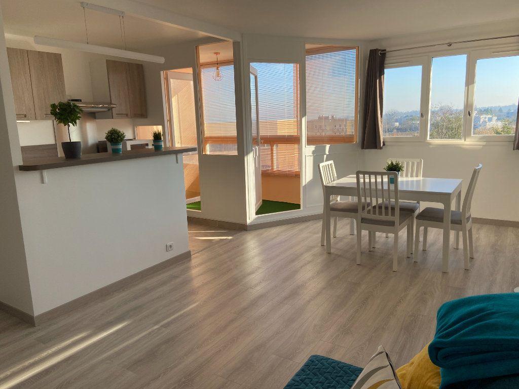 Appartement à louer 2 53.52m2 à Champs-sur-Marne vignette-1